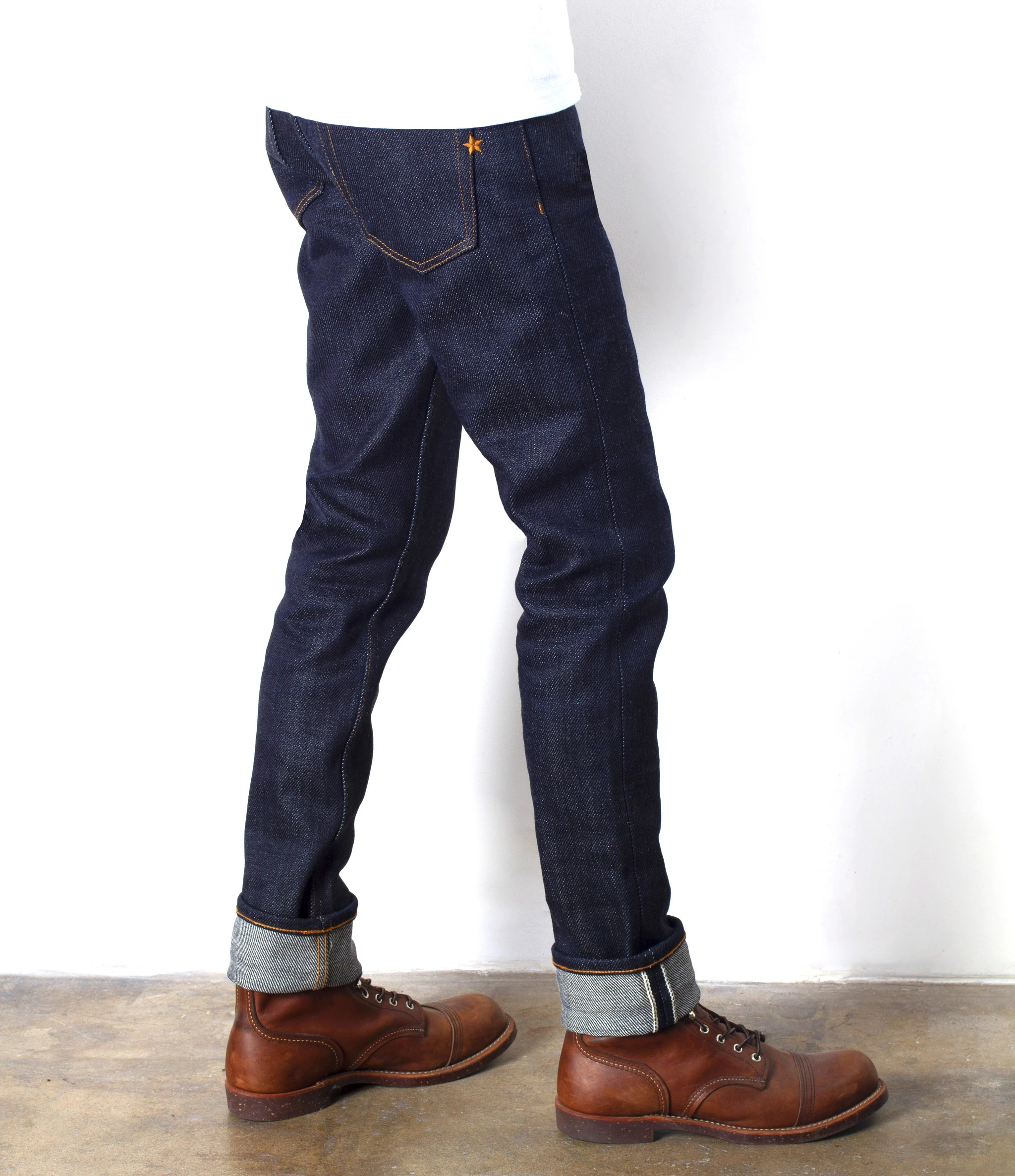 BRAVE STAR The Slim Straight 21.5oz Heavyweight Selvage